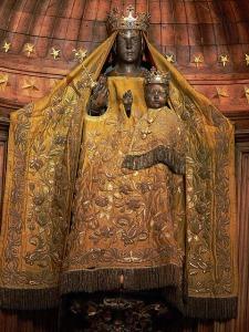 Chartres Black Madonna